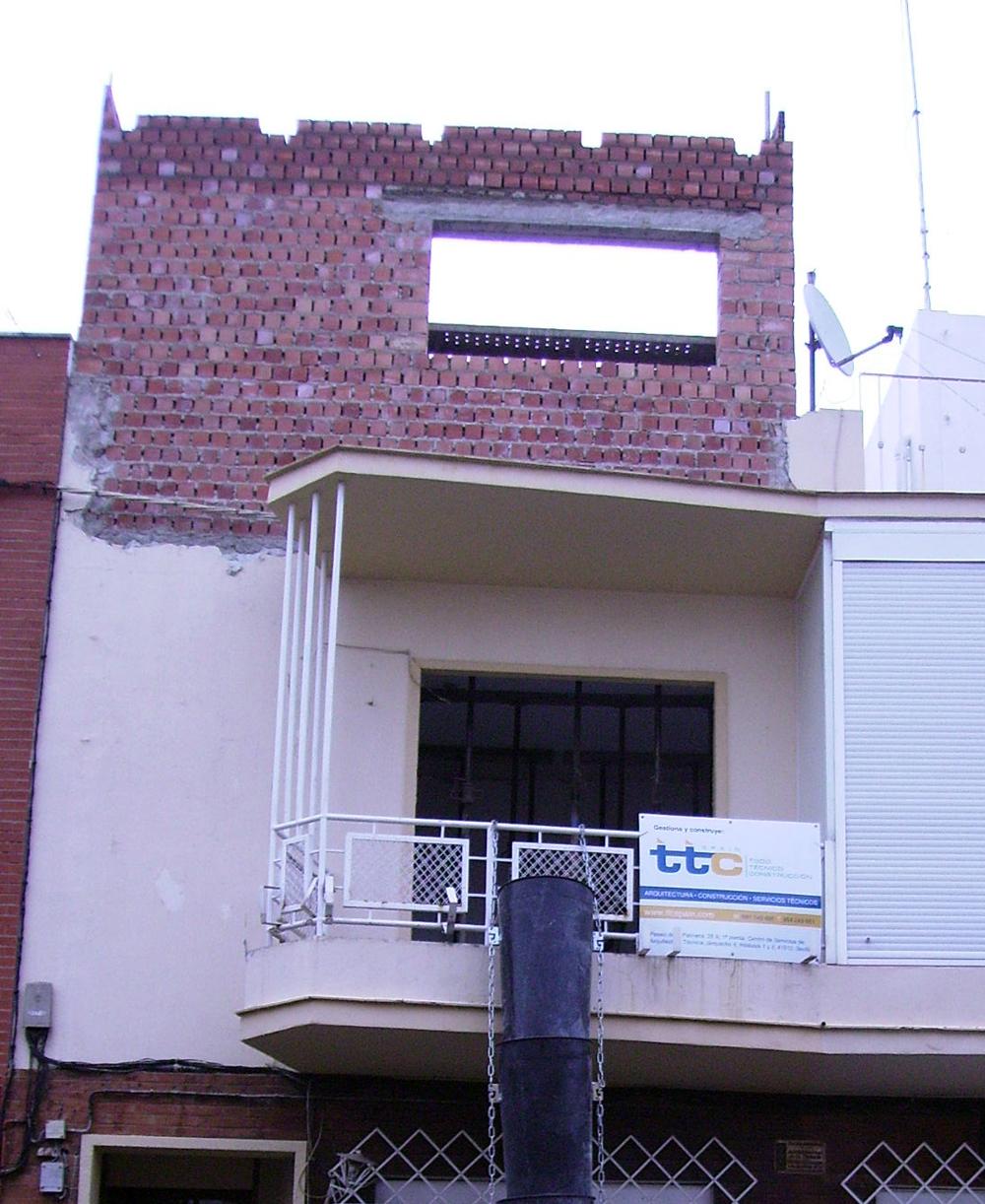 Reforma y ampliación de una 3ª planta en vivienda unifamiliar entre medianeras en el barrio de Nervión, Sevilla – TTC Spain