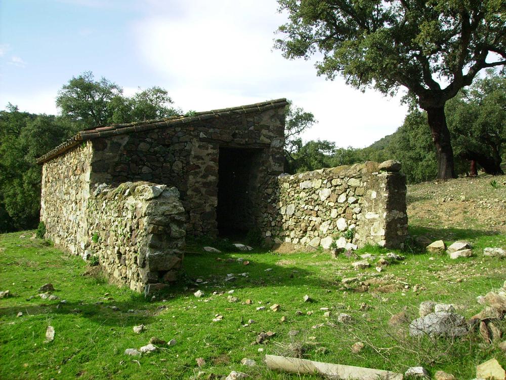 Construcción de vivienda rural en finca sita en el Parque Natural Sierra de Aracena y Picos de Aroche, (Linares de la Sierra, Huelva) - TTC Spain