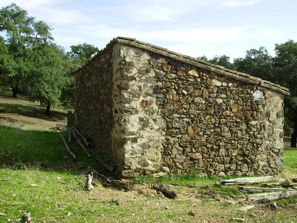 Proyecto de vivienda rural en el parque natural sierra de aracena y picos de aroche linares de - Casa rural linares de la sierra ...